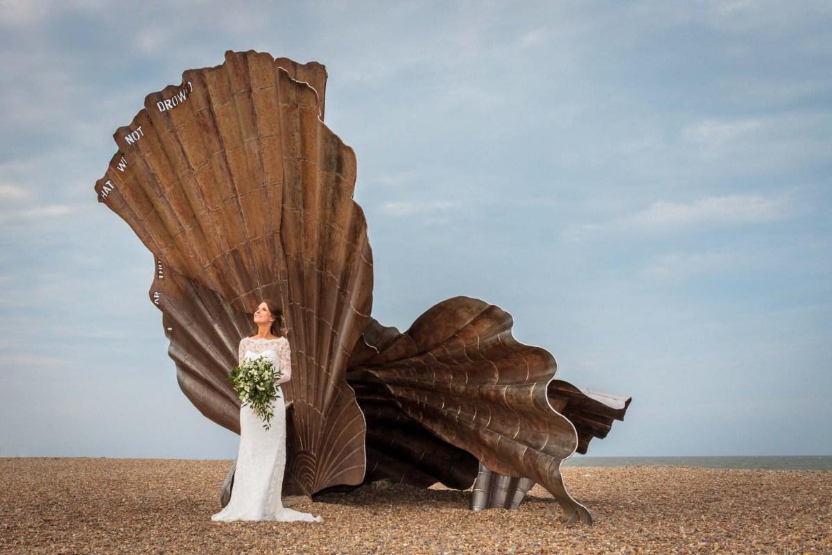 Suffolk-beach-wedding-photography-thorpeness-hannah-toby-warwickshire-photographer-chris-fossey