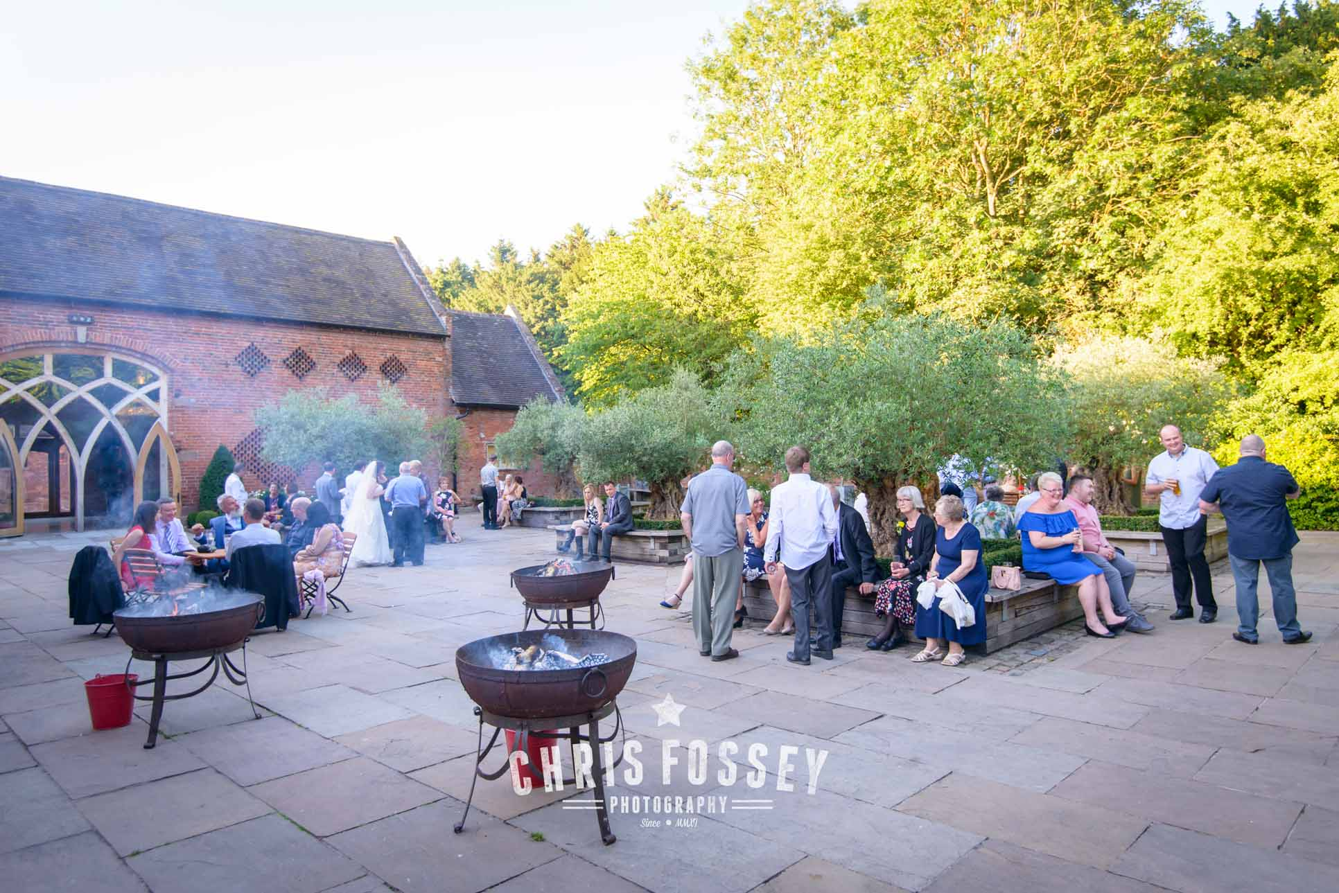 Shustoke-barn-wedding-photography-chris-fossey-warwickshire-karen-matt