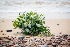 Suffolk-beach-wedding-photography-thorpeness-hannah-toby-1