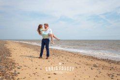 Suffolk-beach-wedding-photography-thorpeness-hannah-toby-11