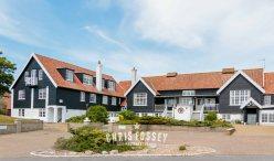 Suffolk-beach-wedding-photography-thorpeness-hannah-toby-12