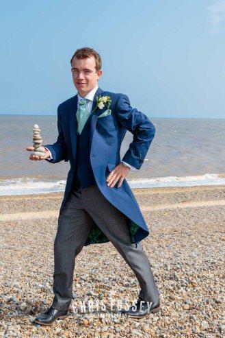 Suffolk-beach-wedding-photography-thorpeness-hannah-toby-43