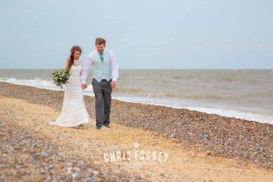 Suffolk-beach-wedding-photography-thorpeness-hannah-toby-78
