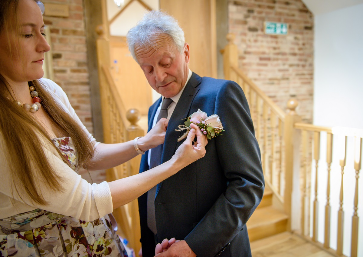 A guide to wedding button holes and corsages by Warwickshire Photographer Chris Fossey Photography 3